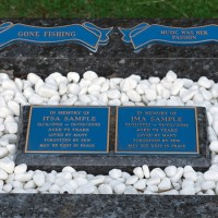 Memorial plaques (Garden of Expressions)